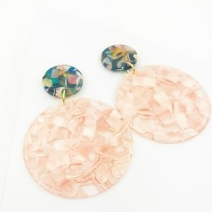 CLOSET REHAB Jewelry - Circle Drop Earrings in Pink with Green Stud